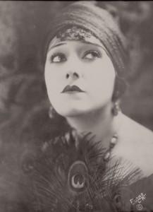 Gloria Sawanson turban