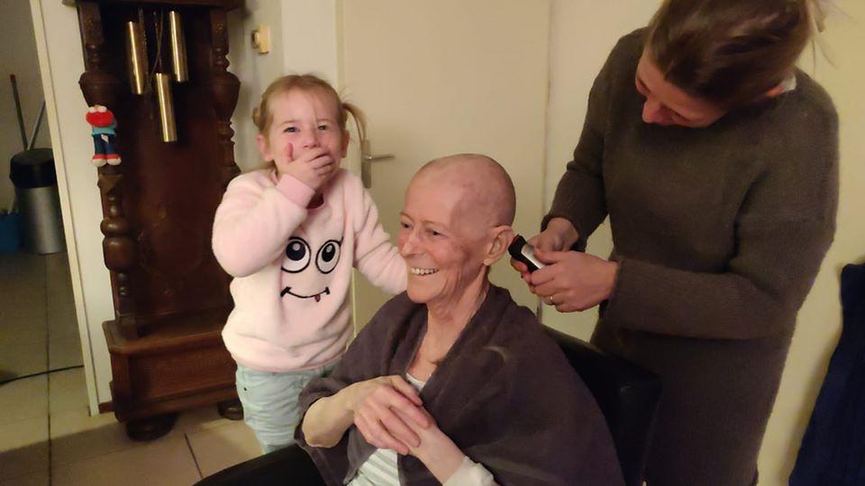 haren afscheren voor chemo